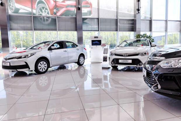 Понеслась: автокомпании начали повышать цены в России