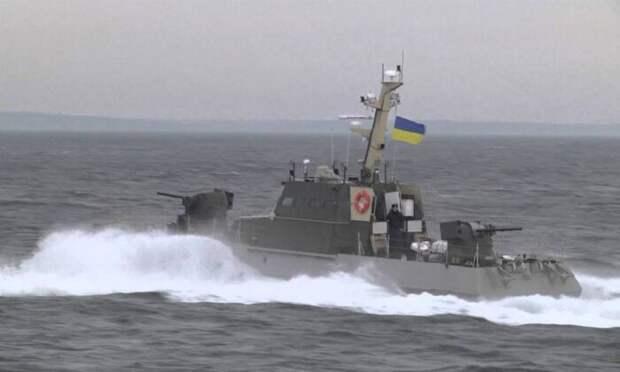 Корабль ВМФ РФ перехватил вАзовском море украинский катер сжурналистом из США
