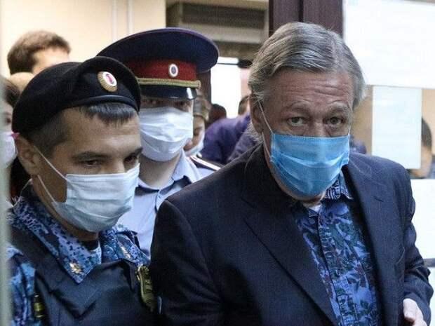 Адвокат Хархорин об осужденном Ефремове: «Ябы даже сказал, что он сейчас как-то помолодел»