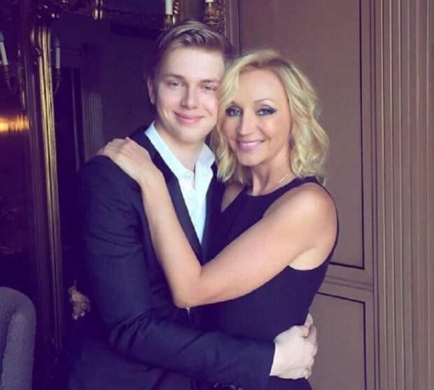 ТОП-5 красивых сыновей российских актрис