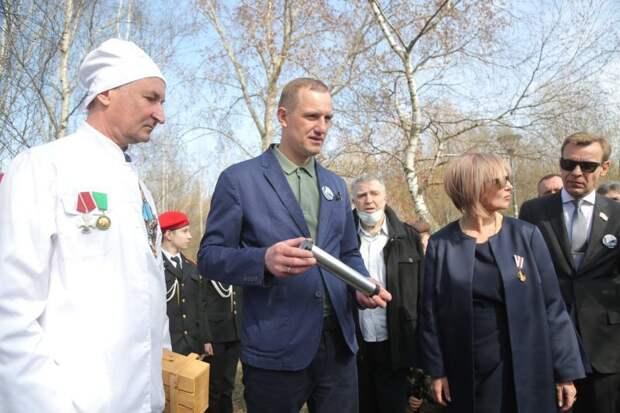 Заслонившие собой:  На Певческом поле заложили капсулу времени от имени чернобыльцев