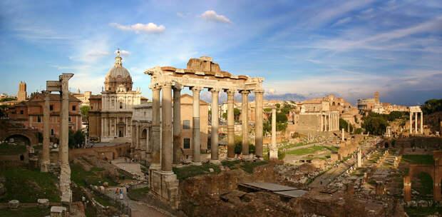 https://upload.wikimedia.org/wikipedia/commons/thumb/5/5a/Forum_Romanum_Rom.jpg/1200px-Forum_Romanum_Rom.jpg