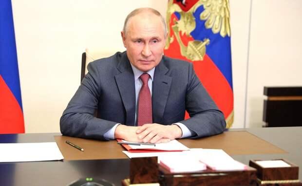 Путин заявил, что Украину «медленно, но верно» превращают в антипод России