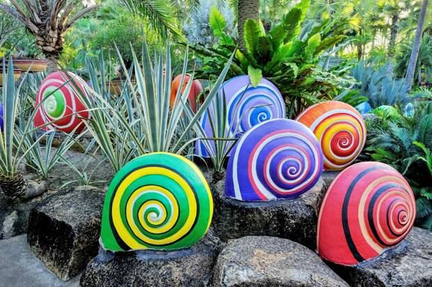 Интересные идеи для тех, кто ломает голову, как украсить садовый участок