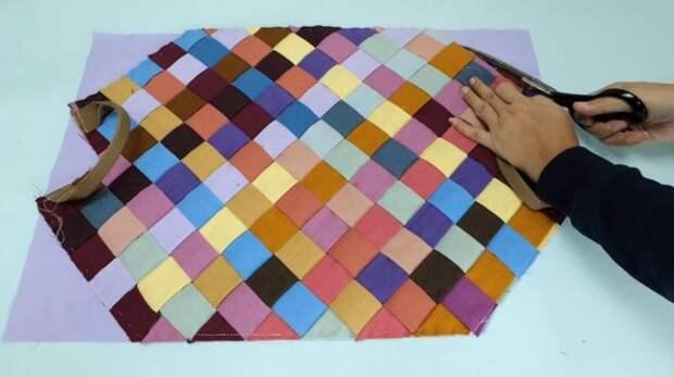 Используйте все обрезки ткани, чтобы сшить красивую сумочку