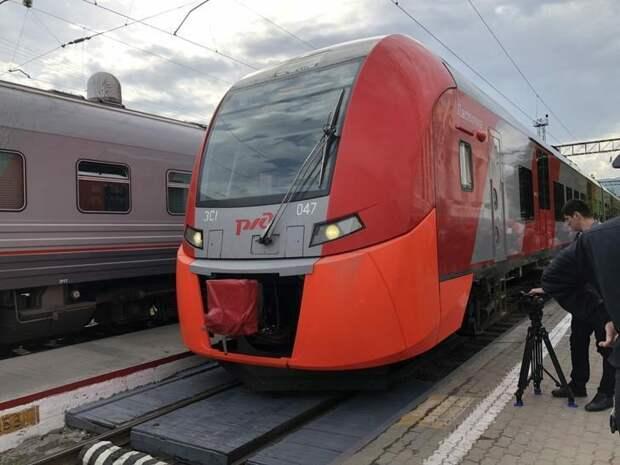 Между Владикавказом иТуапсе впервые начал курсировать электропоезд «Ласточка»