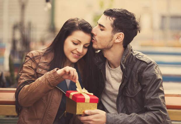 Жадные подарки: как определить, что ваш мужчина — жмот