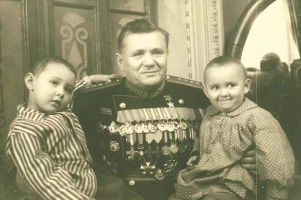 Фото на сайте Минобороны рассказали, как отдыхали известные полководцы