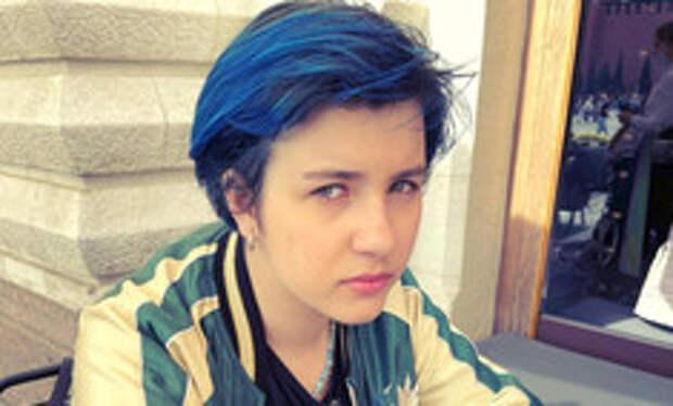 Синие волосы и печаль в глазах: как выглядит 13-летняя дочь-копия Ивана Урганта