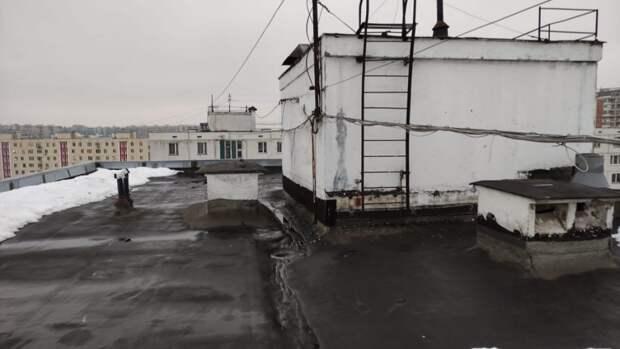 Коммунальщики устранили последствия протечки крыши дома на Шокальского – «Жилищник»