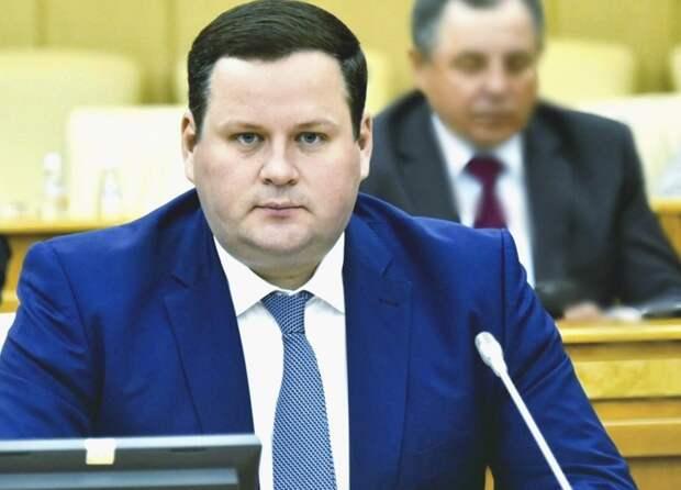 Министр труда назвал максимальную сумму господдержки семей с детьми