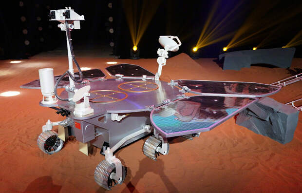 Теперь на Марсе есть и китайский марсоход. Ровер Zhurongуспешно приземлился на Красной планете