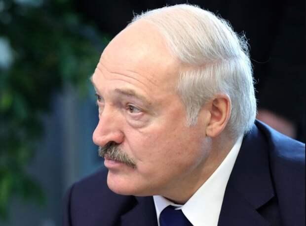 Лукашенко в Риге больше не ждут, но в ближайшие две недели ждут в Москве