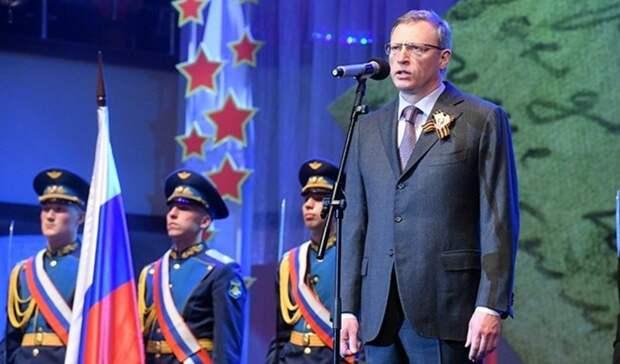 Александр Бурков поздравил омичей сгрядущим Днем Победы