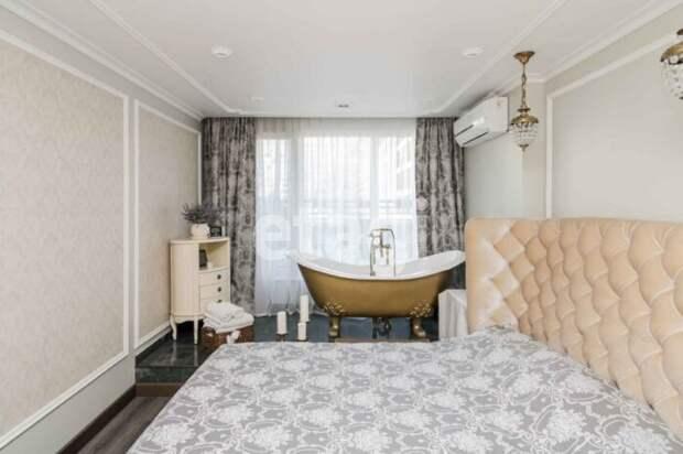 Почем в Тюмени продают 2-комнатную квартиру с золотой ванной