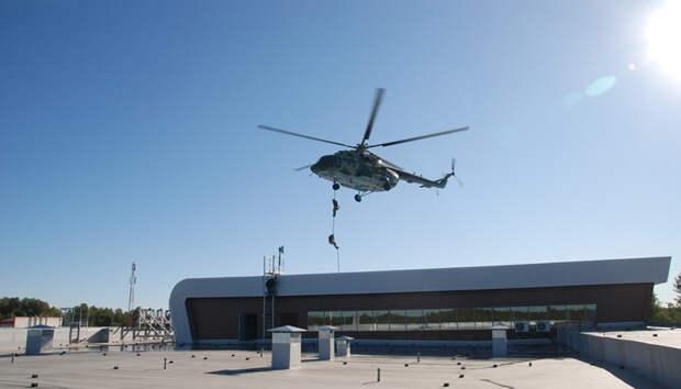 Силовики поучились бороться с террористами в бесовецком аэропорту