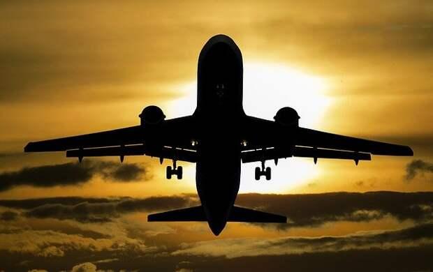 В Шереметьево экстренно сел самолет с неисправными шасси