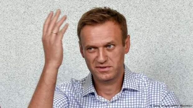 Навальный мешает врачам работать, заставляя опровергать его фейки