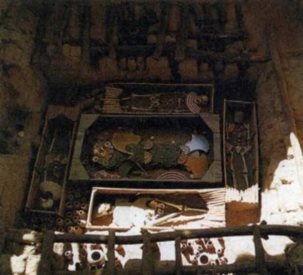 Гробница вождя в Сипане