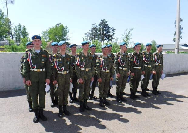 На базе Улан-Удэнского гвардейского десантно-штурмового соединения проведена войсковая стажировка для школьников