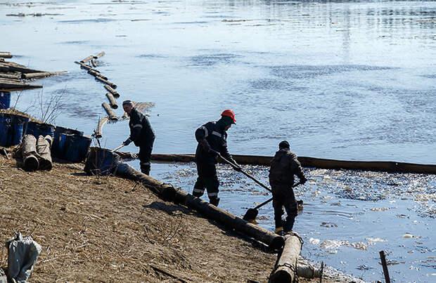Объем разлива нефти на границе Коми и Ненецкого АО оценили в 90 тонн