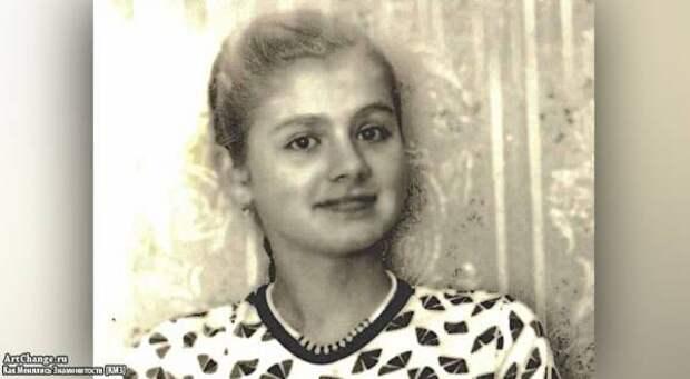 Натали (Наталья Рудина) в детстве, юности