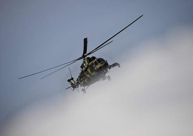 Вертолет Ми-8 ЦВО сбросил около 14 тонн воды на очаги природных пожаров в Свердловской области