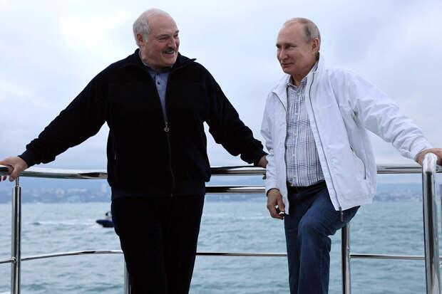 Путин не купался одновременно с Лукашенко в Чёрном море