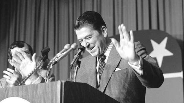 Как-то однажды, было дело, американский президент Рейган, решил очень круто блефануть
