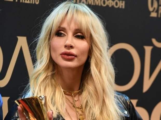 Лободу после преображения сравнили с Оксаной Самойловой