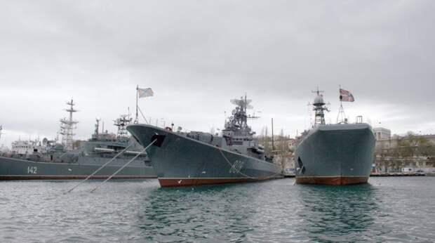 """Российские корабли """"напакостили"""" Украине во время учений в Черном море"""