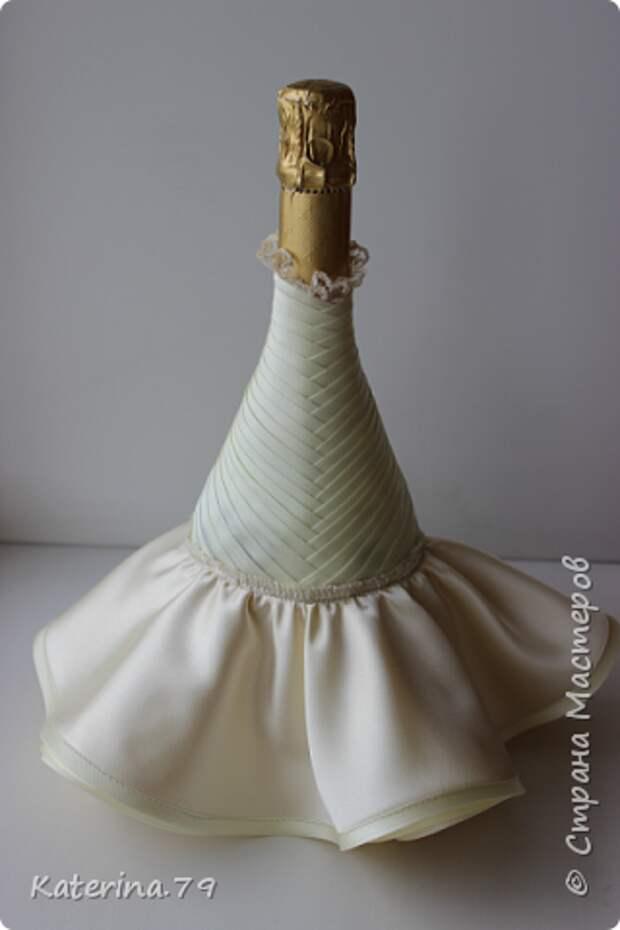 Декор предметов Мастер-класс Поделка изделие Свадьба Моделирование конструирование Шитьё Бутылочки жених и невеста как я делаю пушистую юбку для невесты  Бусины Бутылки стеклянные Ткань фото 12
