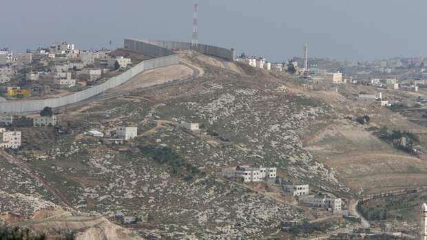 Премьер Израиля ввел в Лоде режим ЧП из-за столкновений арабов и евреев