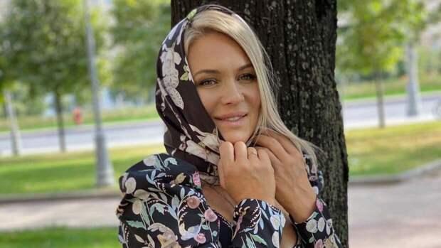 Виктория Макарская поздравила россиян с Днем Победы и вспомнила подвиг своего деда