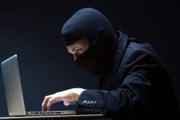 В Оренбурге мужчина перечислил мошенникам 12 000 рублей
