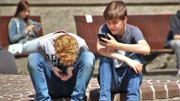 Психологи объяснили, какую опасность для подростков представляет Моргенштерн