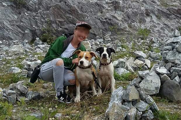 Для хозяев собаки словно младшие дети. Фото: Сообщество «Питер ищет Стешу и Моню» в «ВКонтакте»
