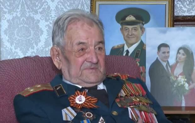 """Ветеран рассказал о своей службе во время Великой Отечественной: """"Пехота нам махала, мол, привет смертникам"""""""