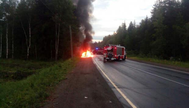 Автомобиль сгорел на выезде из Петрозаводска