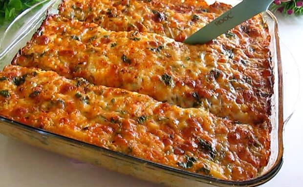 Овощная запеканка из того, что нашли в холодильнике: картошка, капуста, сыр и молоко. Мясо уже не нужно