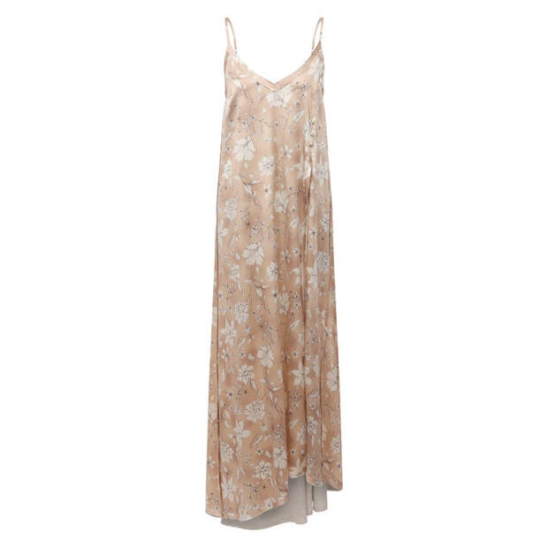 Этим летом в гардеробе обязательно должно быть сексуальное макси-платье на тонких бретельках