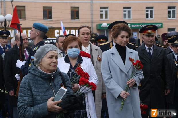В Рязани прошла церемония возложения цветов и гирлянды Воинской славы