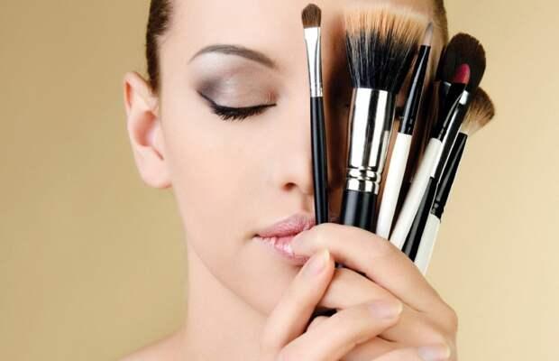 18 трюков, которые используют визажисты, чтобы улучшить макияж