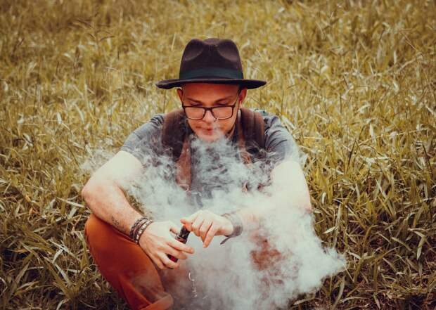 Названы опасные для сердца вещества в электронных сигаретах