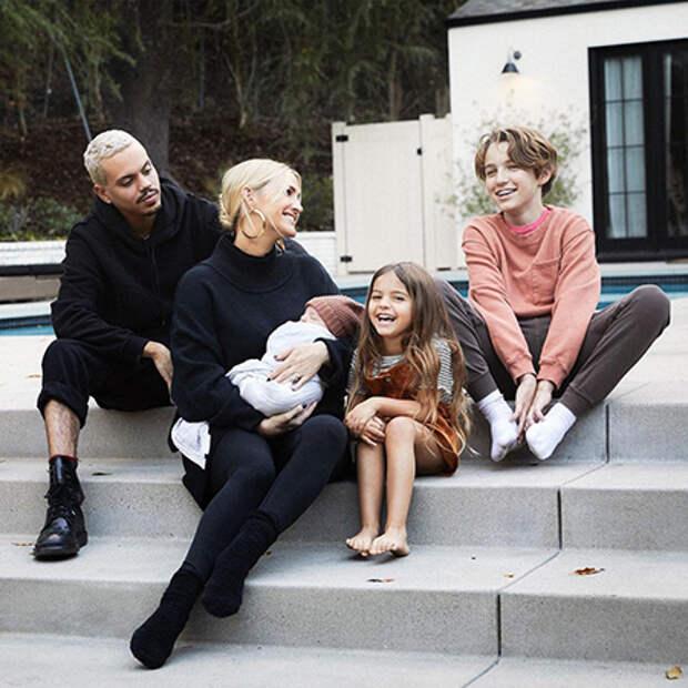 Эшли Симпсон с мужем Эваном Россом и детьми