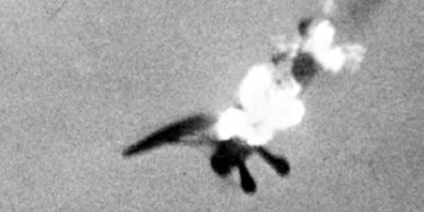 Кадр изфотопулемёта самолёта МакЛахлана