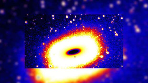 В космосе обнаружена прямоугольная галактика.