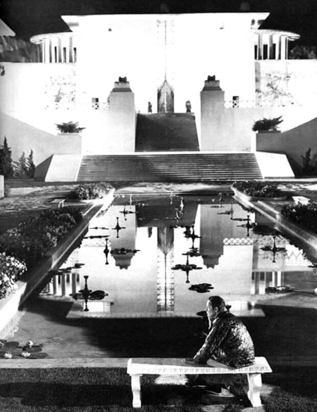 Кадр из фильма «Потерянный горизонт»