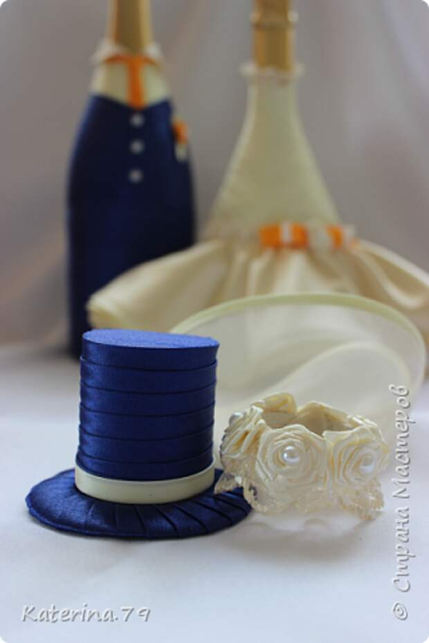 Декор предметов Мастер-класс Поделка изделие Свадьба Моделирование конструирование Шитьё Бутылочки жених и невеста как я делаю пушистую юбку для невесты  Бусины Бутылки стеклянные Ткань фото 23