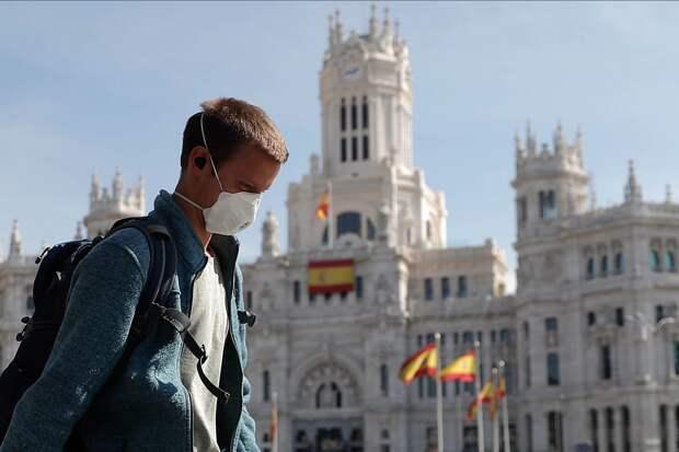 Испания откроет границы для вакцинированных туристов